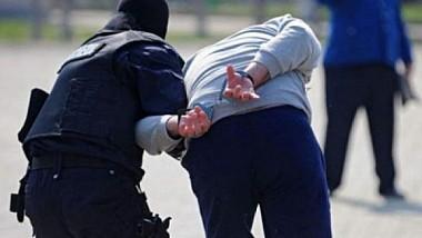 19 летний житель города Фалешты хотел сжечь собственную мать
