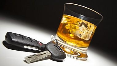 Nici privarea dreptului de a conduce nu îi sperie. 70 de şoferi au fost prinşi în stare de ebrietate la volan, în cadrul operaţiunii Nopţile Albe