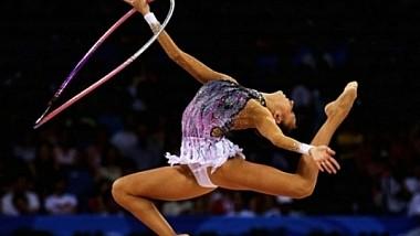 """Nebunie în lumea gimnasticii! Peste o mie de sportivi au intrat în """"hora"""" provocării lansate de un italian"""