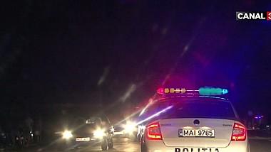 Zeci de șoferi inconștienți se urcă băuți la volan