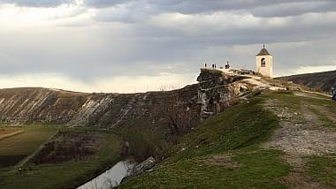 Moldovenii profită din plin de ultimele zile de vară. Orheiul Vechi abundă în turişti