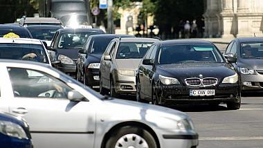 """Protestatar """"recidivist"""". Un şofer a blocat două benzi de pe bulevardul Ştefan cel Mare"""