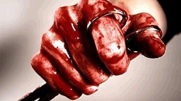 Incident şocant la Olăneşti! Un bărbat i-a tăiat concubinei degetul de la picior cu o foarfecă