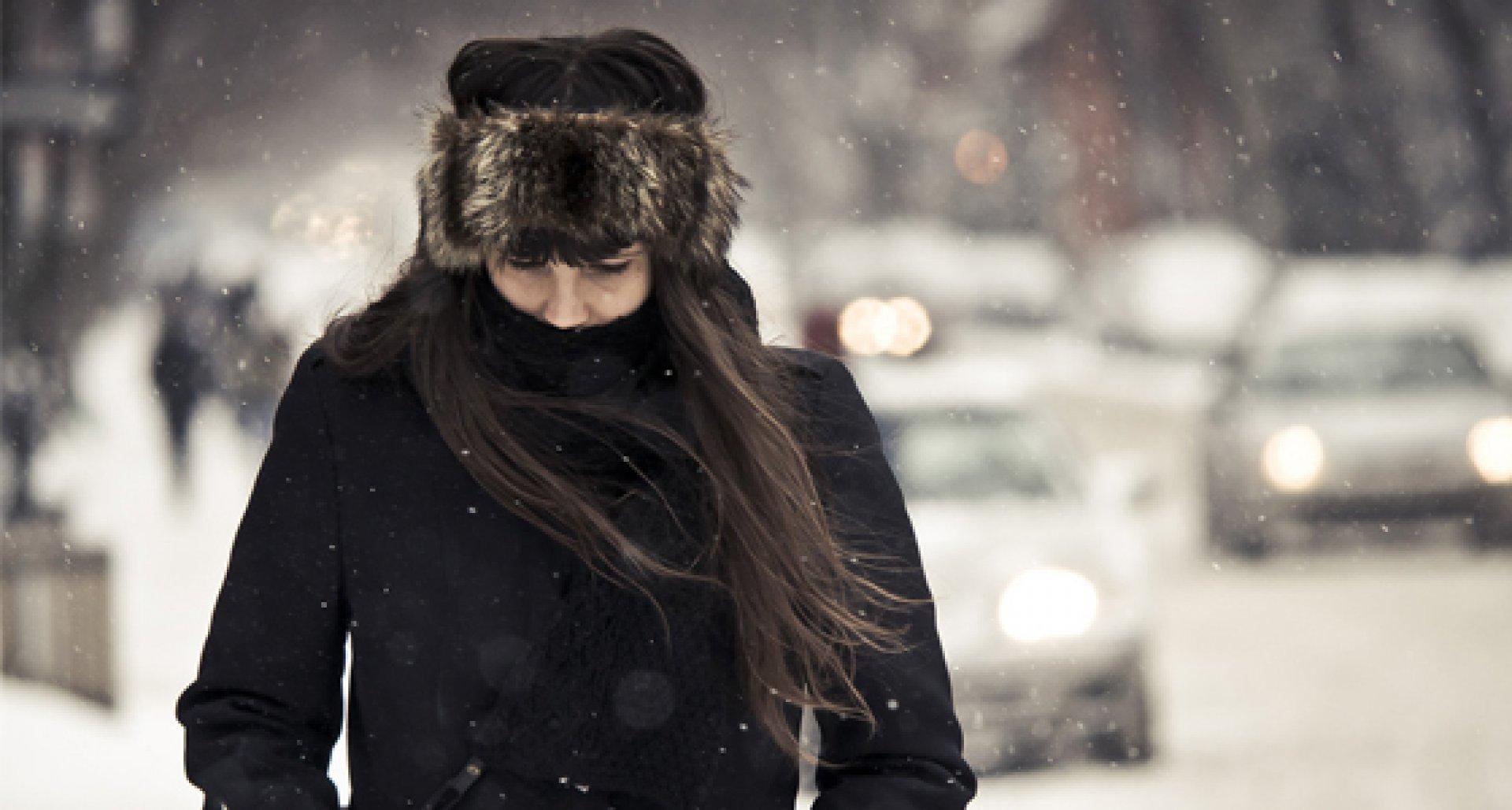 Картинки девушки зимой без лица, выборга