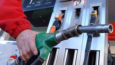 PREŢURI NOI la carburanţi! Cât costă benzina şi motorina