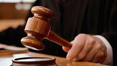 Şase ani de închisoare pentru un avocat acuzat de trafic de influență