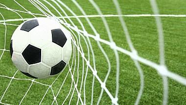 Băieţii de la F2Freestylers au încercat să tragă la indigo golul superb al lui Bale din finala Ligii Campionilor