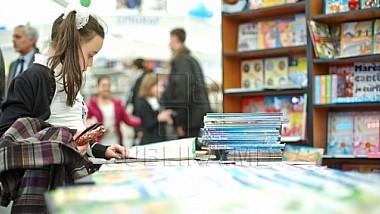 """Bibliotecile Moldovei, mai atractive pentru cititori graţie programului de susţinere """"Novateca"""""""