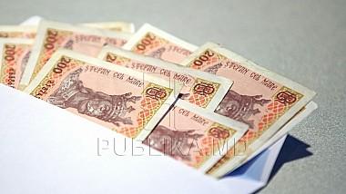 Numărul moldovenilor care lucrează fără contracte de muncă s-a redus