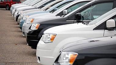 Taxă pentru maşini de lux. Din 2018, importul unui automobil scump în Moldova va fi o plăcere deloc ieftină