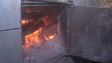 Tragedie în satul Grimăncăuți. Un bărbat de 63 de ani a murit în propria casă, în urma exploziei sobei defecte