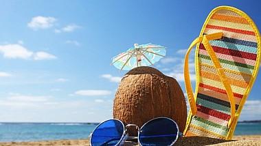 Cei care nu au avut posibilitatea să plece într-o vacanţă în ţările calde, au luat cu asalt plajele din Chişinău