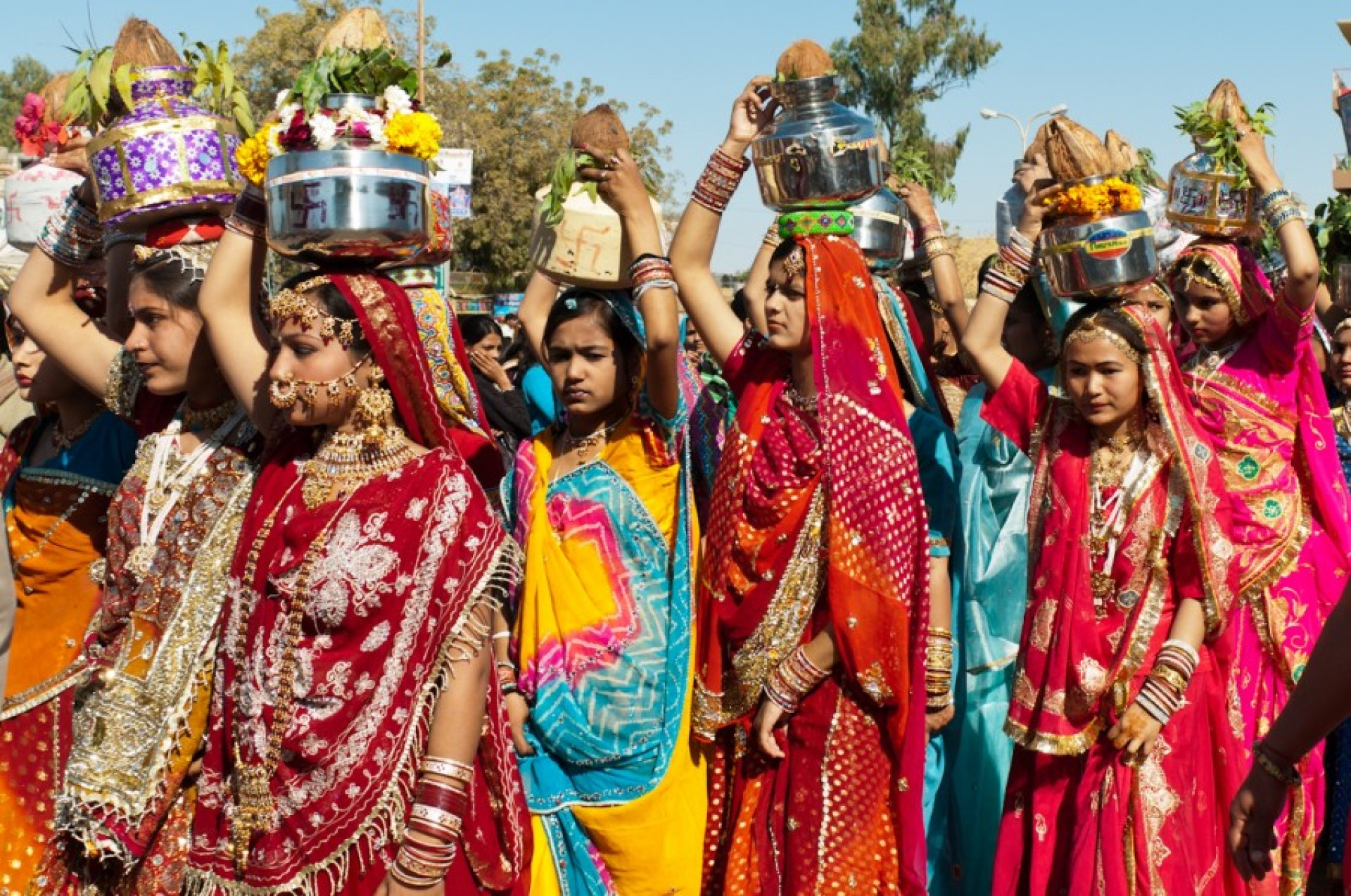 Картинки по запросу людей индии