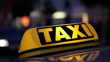 Călătorii rapide două roți. Amatorii de senzaţii tari pot beneficia de servicii de taximetrie cu motocicleta