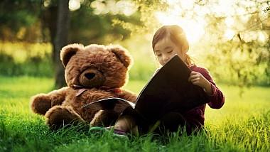 """Programul """"Ascultă povestea mea preferată"""". În fiecare lună, câte o personalitate va prezenta copiilor basmul său preferat"""