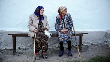 În sprijinul bătrânilor. Zeci de pensionari vor învăţa să deschidă o afacere, să practice un mod de viaţă sănătos şi să creeze lucruri handmade