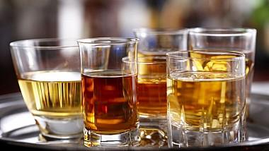 Alcoolul creşte riscul de dezvoltare a cancerului