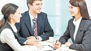 Peste 2000 oferte de muncă propuse moldovenilor în cadrul forumului profesiilor