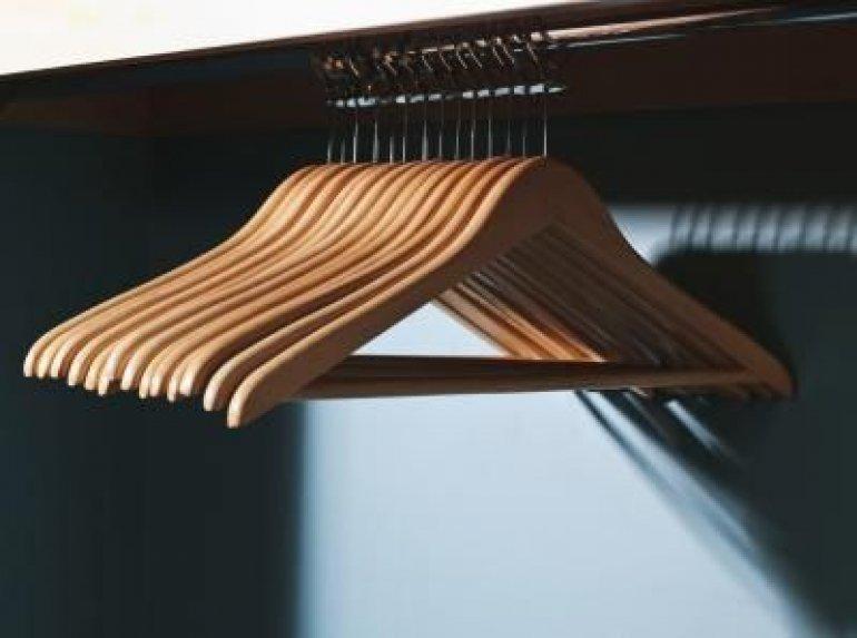 Umeraşe din lemn sau din plastic?