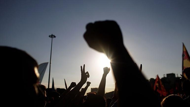 Protest în faţa sediului postului de televiziune Jurnal TV