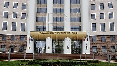Parlamentul a adoptat hotărârea privind crearea grupului de lucru care va analiza legislaţia electorală şi situaţia creată după alegerile locale din Chişinău