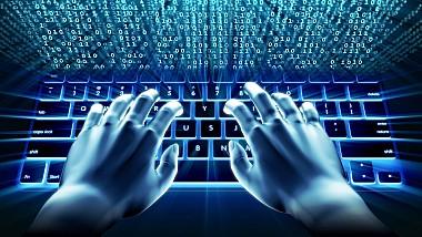 Siguranţa pe internet, prioritară. Vor fi instalate aplicaţii de filtrare a conținutului cu impact negativ asupra copiilor