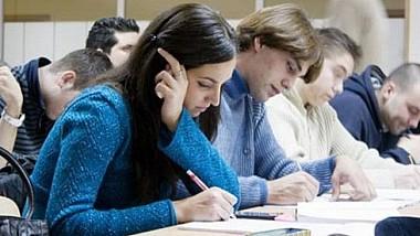 A început etapa de depunere a dosarelor pentru înscrierea la studii în universităţile din ţară