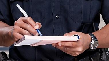Record în Italia. Un moldovean stabilit în Florenţa a încălcat concomitent patru reguli de circulaţie şi s-a ales pentru asta cu o amendă usturătoare