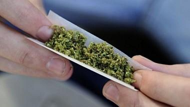 Droguri prin Telegram. În sectorul Botanica au fost reţinuţi doi consumatori de substanţe narcotice