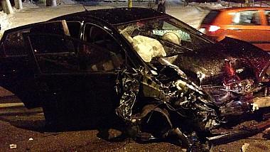 O nouă tragedie în trafic. O persoană a murit, iar alte patru au ajuns în stare gravă la spital, în urma unui grav accident
