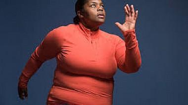 Maratonistă supraponderală. Deşi femeia suferă de obezitate, demonstrează adevărate performanțe în cadrul diferitor competiții