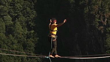 Un sportiv din Franța a obţinut un record extrem la 400 metri înălţime
