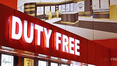 Moldoveancă reținută în Bologna. Tânăra a furat mai multe parfumuri și produse cosmetice dintr-un duty free din Italia