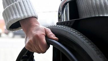 Помощь нуждающимся. 615 человек с тяжелыми нарушениями опорно-двигательного аппарата получат коляски