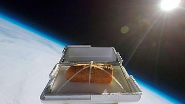A lansat în spațiu o pâine cu usturoi