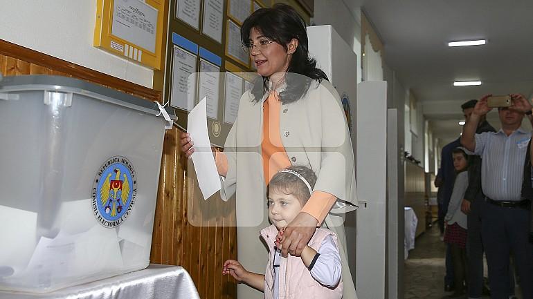 В Кишиневе, Бельцах и еще пяти населенных пунктах страны проходят выборы