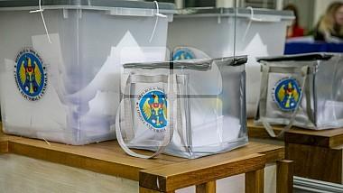 Члены избирательных комиссий приносили мобмильные урны тем, кто не мог самостоятельно прийти на участки