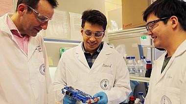 Dispozitiv portabil care imprimă pielea direct pe rănile profunde ale persoanelor