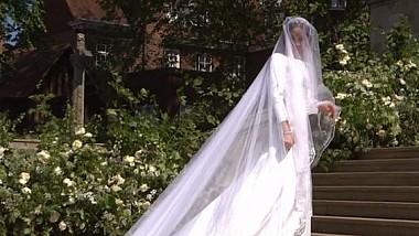Nunta regală: Meghan Markle a surprins cu o rochie de mireasă extrem de simplă, dar cu substrat, şi un voal lung de cinci metri