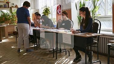 На избирательных участках накануне работали допоздна