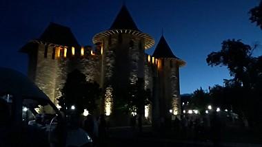 Sute de oameni au venit aseară la cetatea Sorocii pentru a urmări un spectacol extraordinar, organizat în cadrul Nopţii Muzeelor