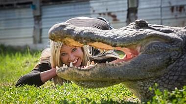De la birou, la dresat aligatori uriași, dar și cei mai periculoși șerpi