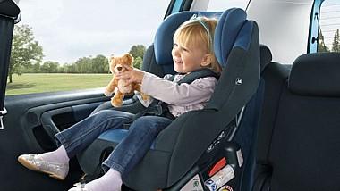 """Proiectul """"Un scăunel din inimă"""". Dăruieşti un scaun auto pentru transportarea copiilor, posibil, salvezi o viaţă nevinovată"""
