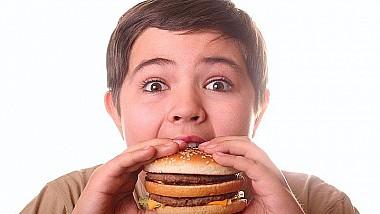 Obezitatea la copii - o problemă? Consecinţele le aflaţi exclusiv la emisiunea Impact