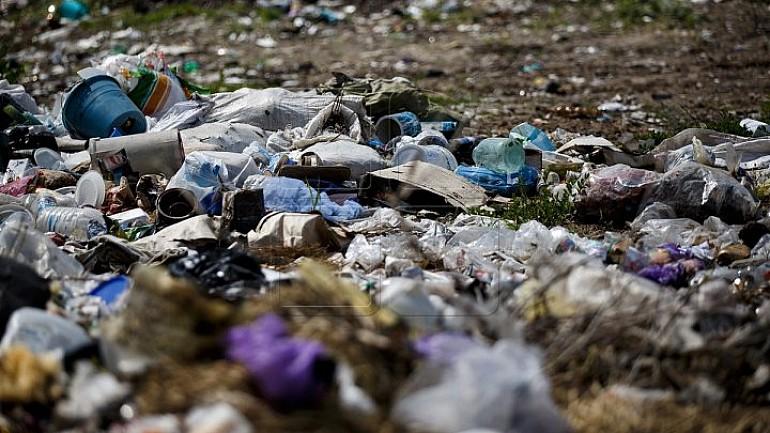 Descoperire macabră. Un bebeluş a fost găsit mort la groapa de gunoi de pe strada Uzinelor din Capitală