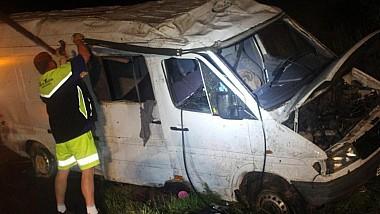 Impact violent. Opt moldoveni, inclusiv trei copii, răniţi în urma unui grav accident rutier produs pe o autostradă din Cehia