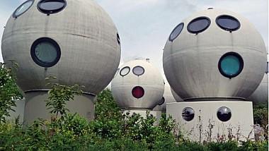 Casele futuristice. Un artist și sculptor olandez este autorul unui complex rezidențial ieșit din tipare