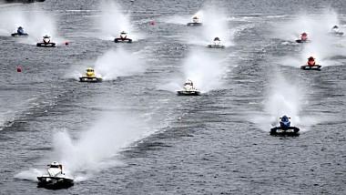 Viteză, adrenalină şi zgomot de motoare la etapa a doua a Campionatului Mondial de powerboating