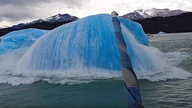 Câţiva turişti au asistat la momentul exploziei unui iceberg