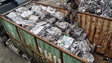 Contrabandă de metale neferoase. Patru membri ai unei grupări criminale au fost reţinuţi